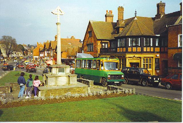 Haslemere War Memorial - geograph.org.uk - 115886