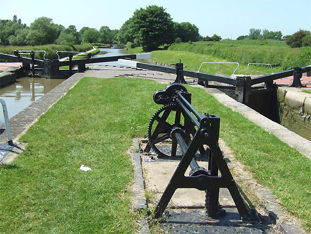 Hillmorton Top Locks, Oxford Canal, Warwickshire - geograph.org.uk - 987658