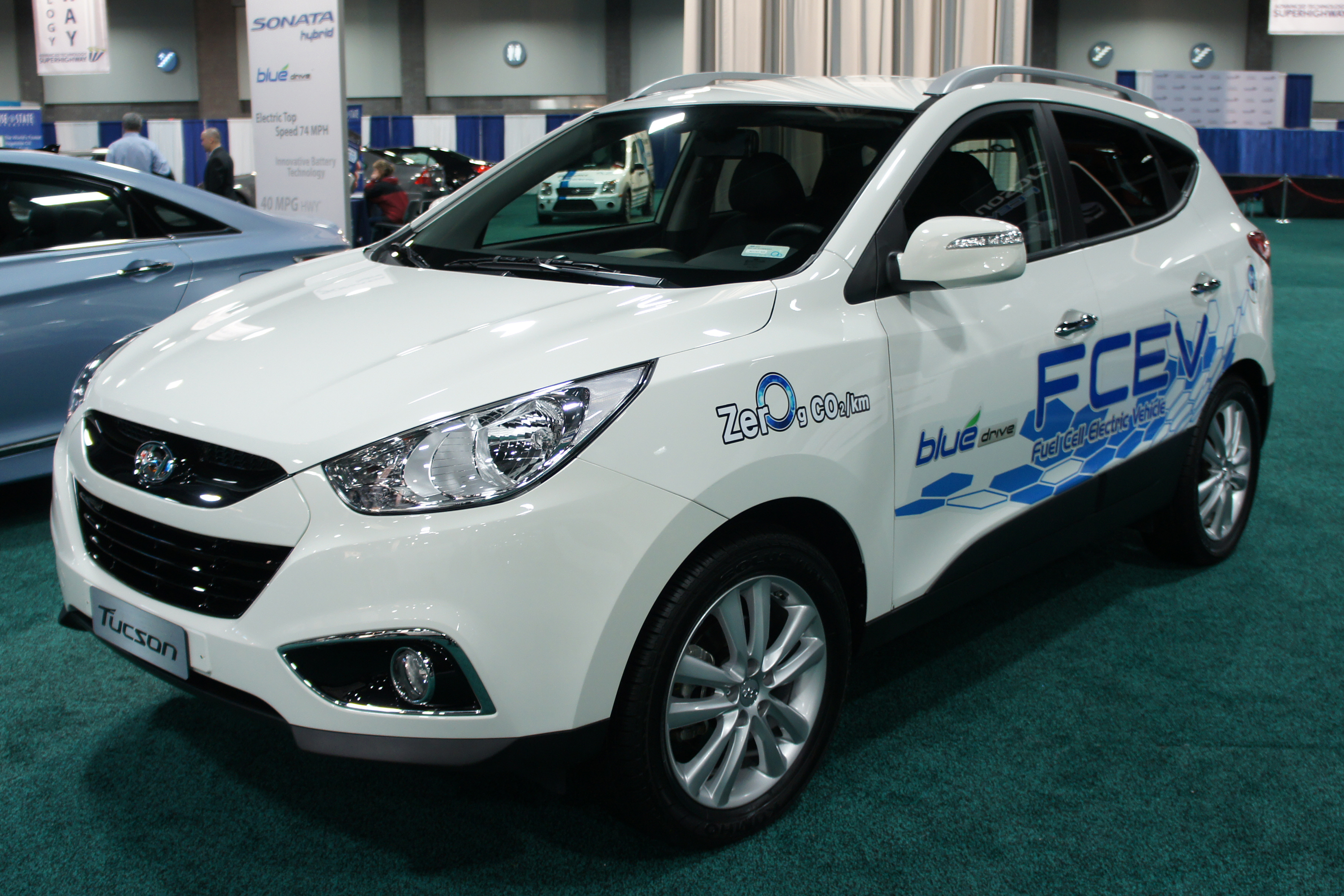 What Is A Fuel Cell >> File:Hyundai Tucson FCEV WAS 2012 0762.JPG - Wikimedia Commons