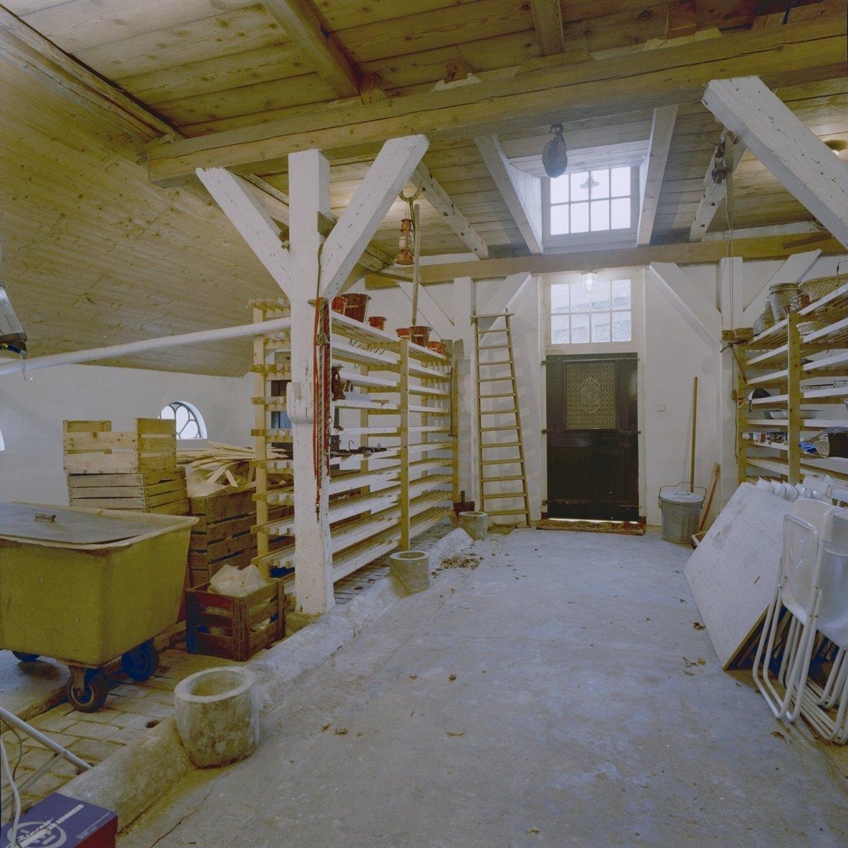 File interieur stalgedeelte boerderij omgebouwd tot for Boerderij interieur