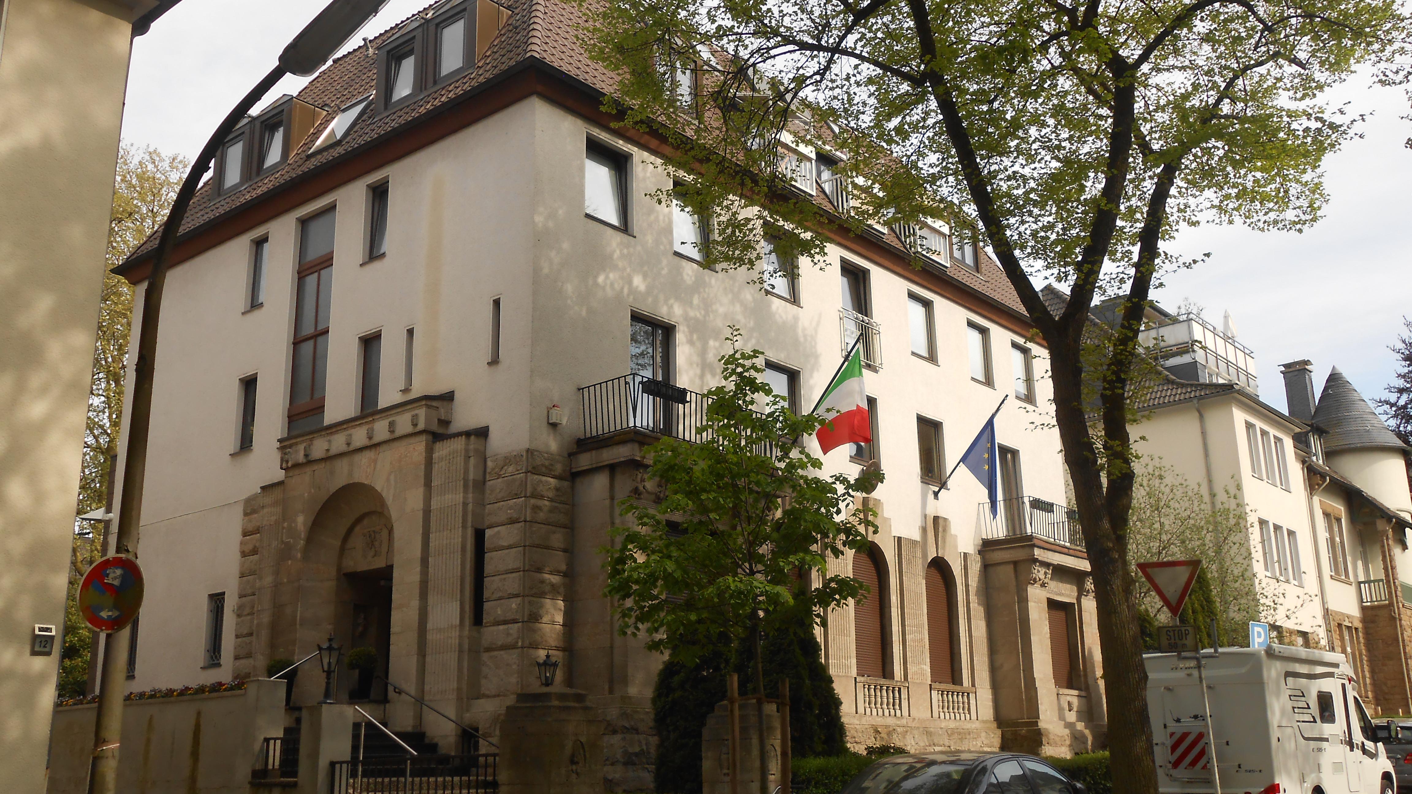 italienischen konsulat köln