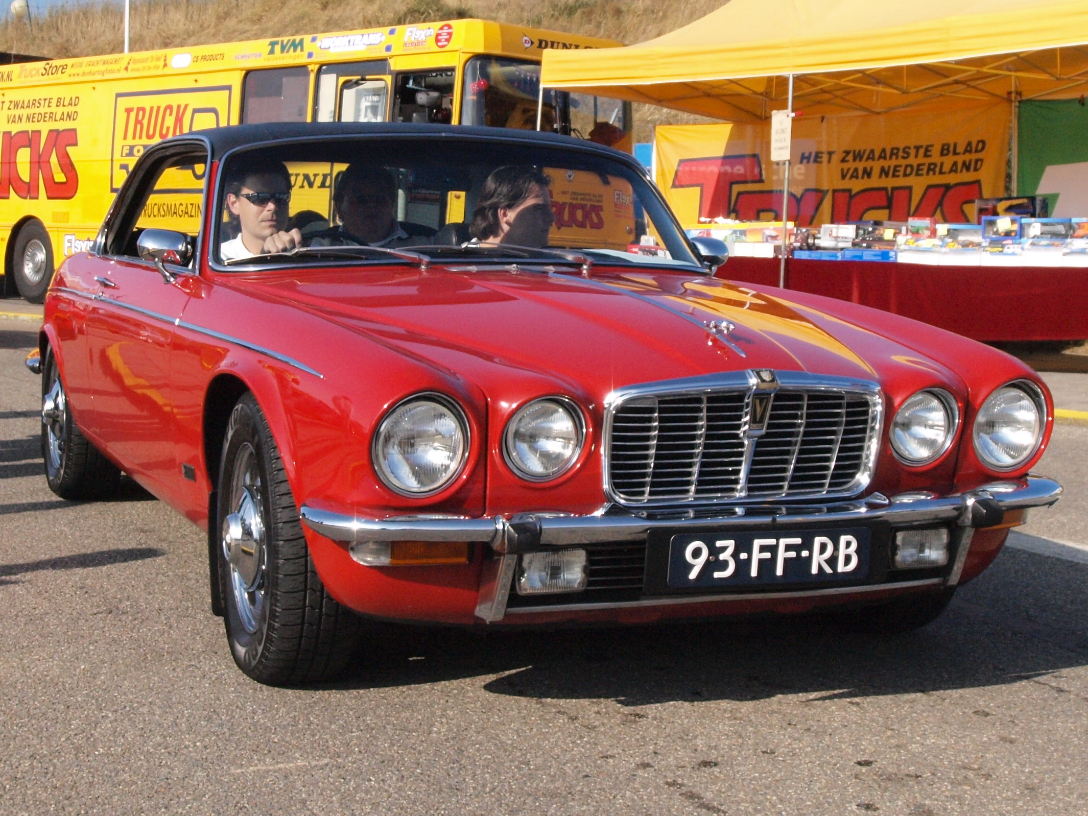 File:Jaguar XJ12 Coupe PI dutch licence registration 93-FF