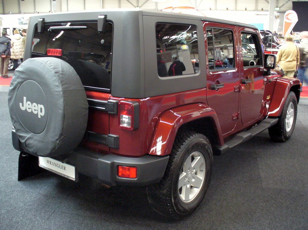 File:Jeep Wrangler Unlimited Sahara AME Heck.