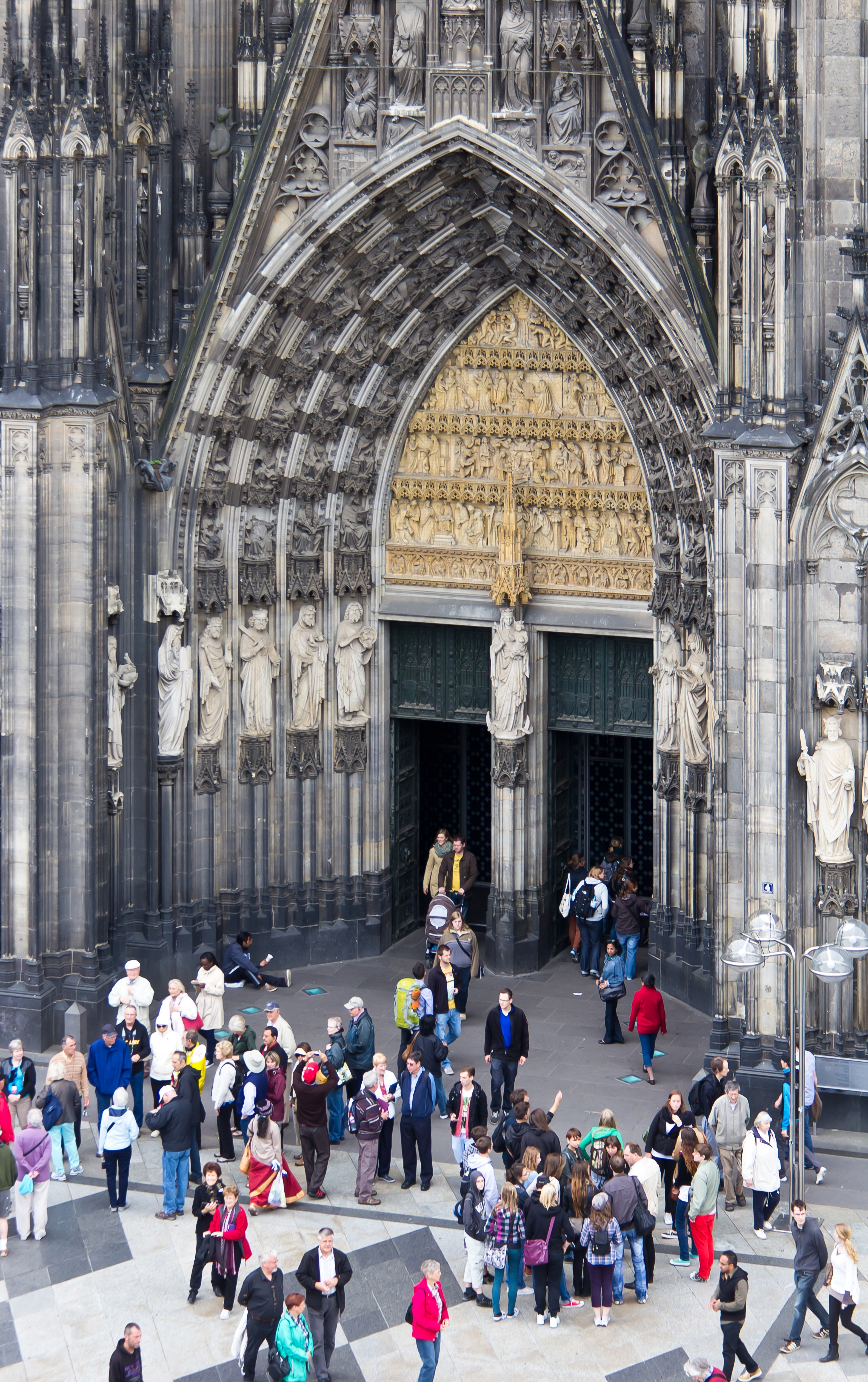 File Kolner Dom Eingangsportal Westseite 1438 Jpg Wikimedia Commons