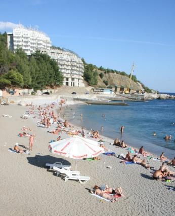 File:Kastropol-beach.JPG
