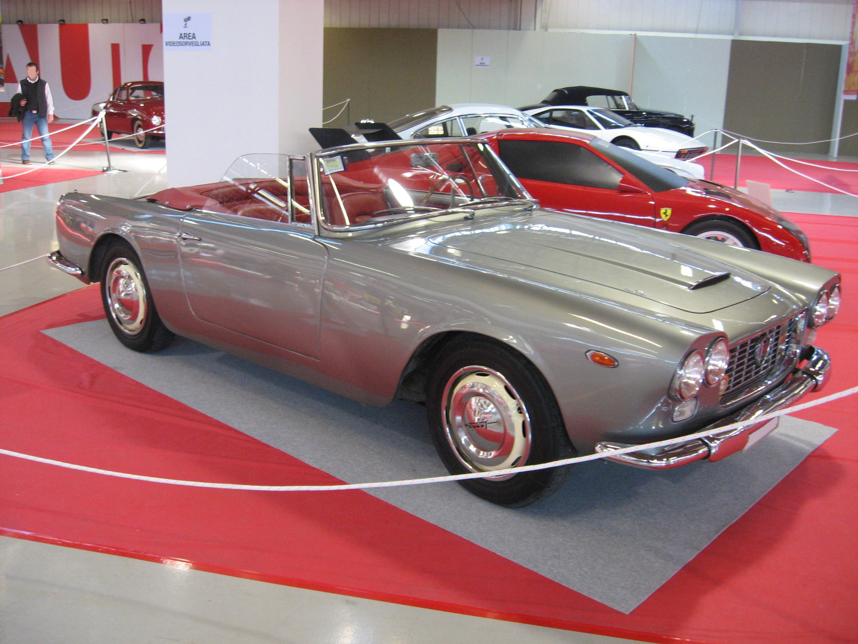 https://upload.wikimedia.org/wikipedia/commons/0/04/Lancia_Flaminia-GT-Convertible.JPG