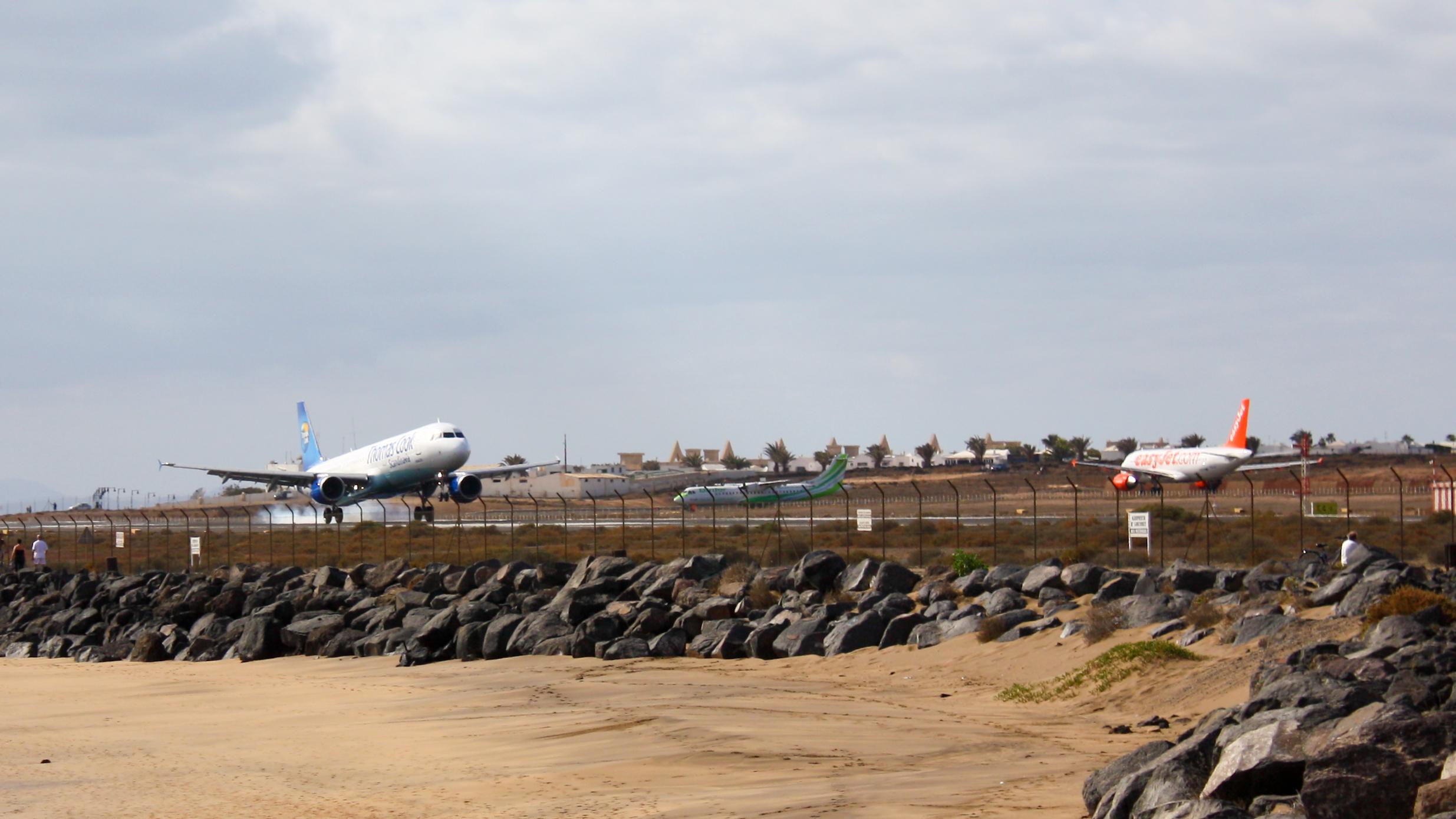 Bildresultat för lanzarote airport