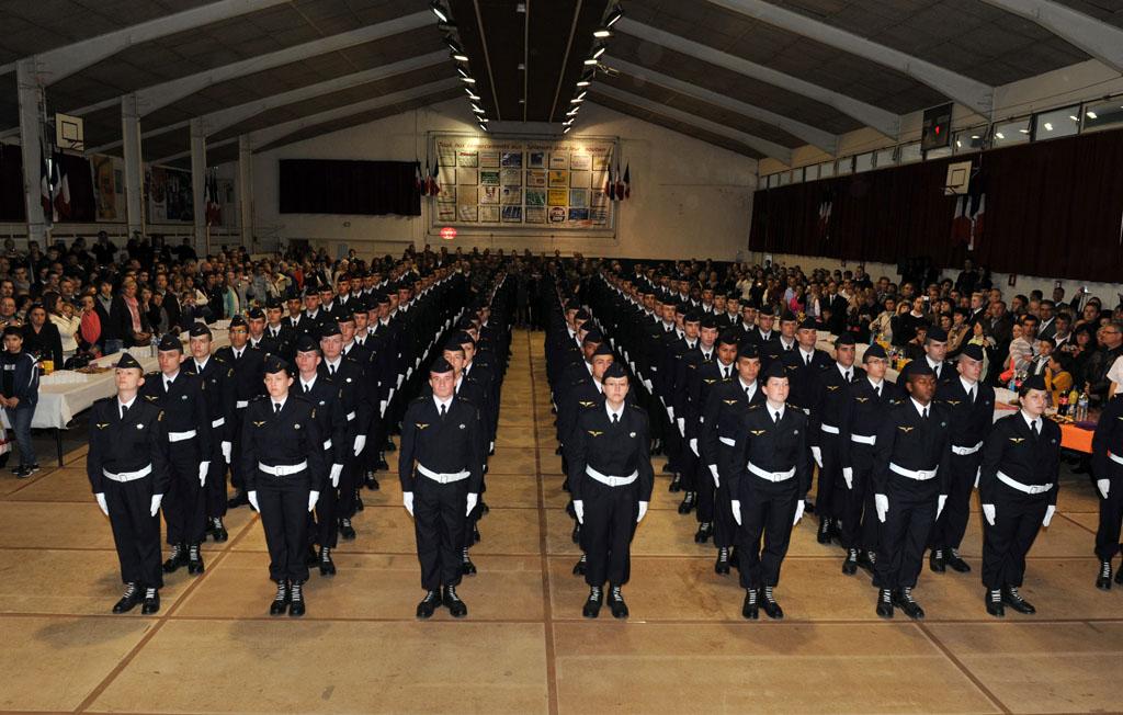 File les 106 l ves sous officiers dont 10 l ves for Porte ouverte salon de provence