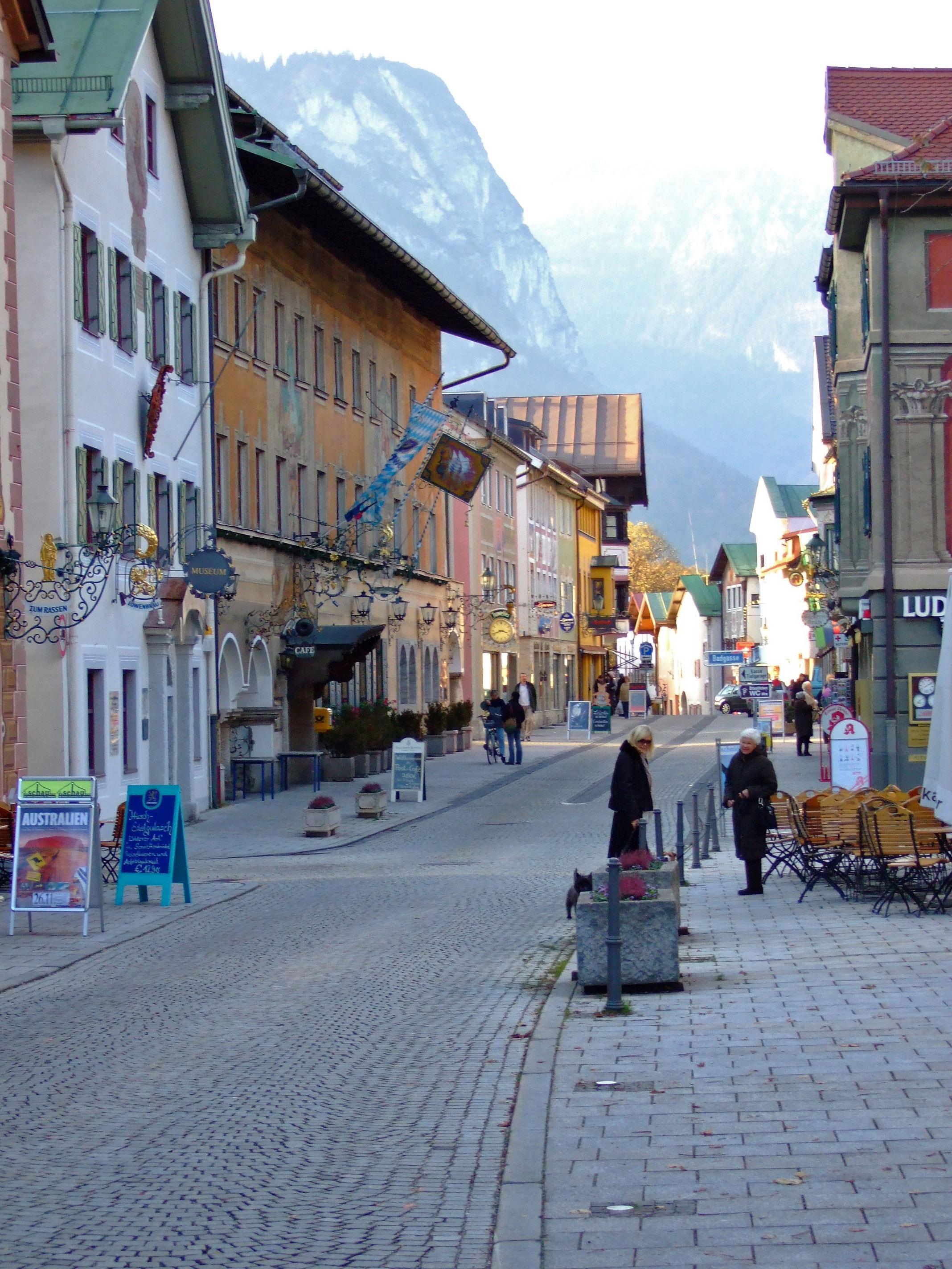 Datei ludwigstrasse garmisch partenkirchen wikipedia - Garmisch partenkirchen office du tourisme ...