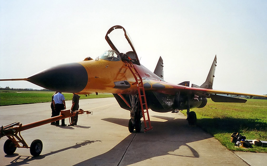 MiG-29 SRG 2.jpg