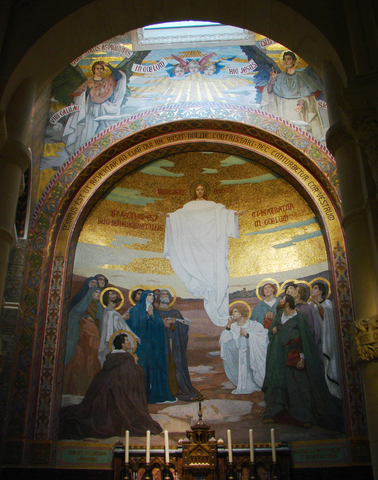 Mosaïque d'une des chapelles de la Basilique Notre-Dame du Rosaire (niveau inférieur) : l'Ascension. dans immagini sacre ND_Rosaire_mosa%C3%AFque_03