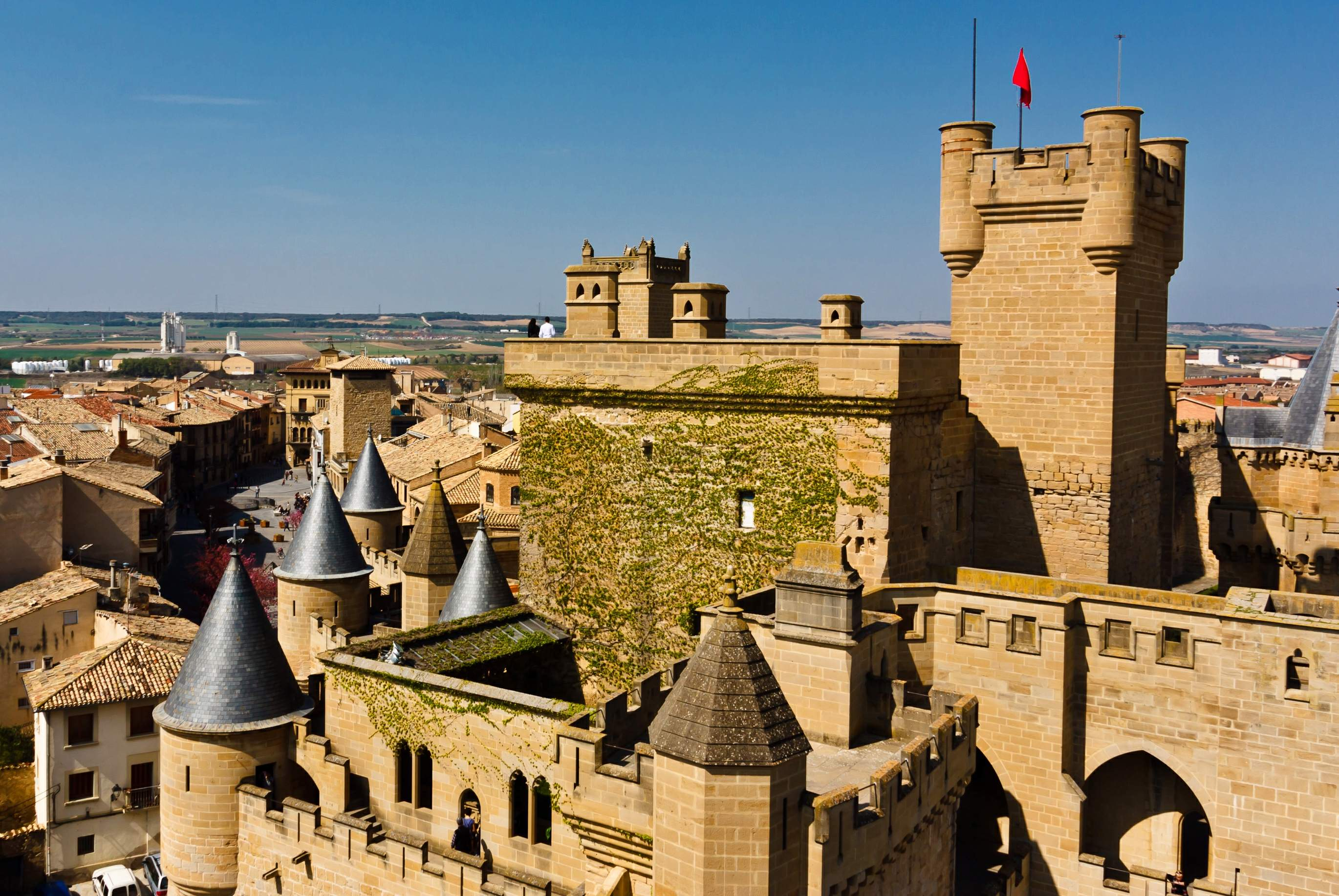 File:New-2WLM14ES - Castle of Olite -Castillo de Olite ...