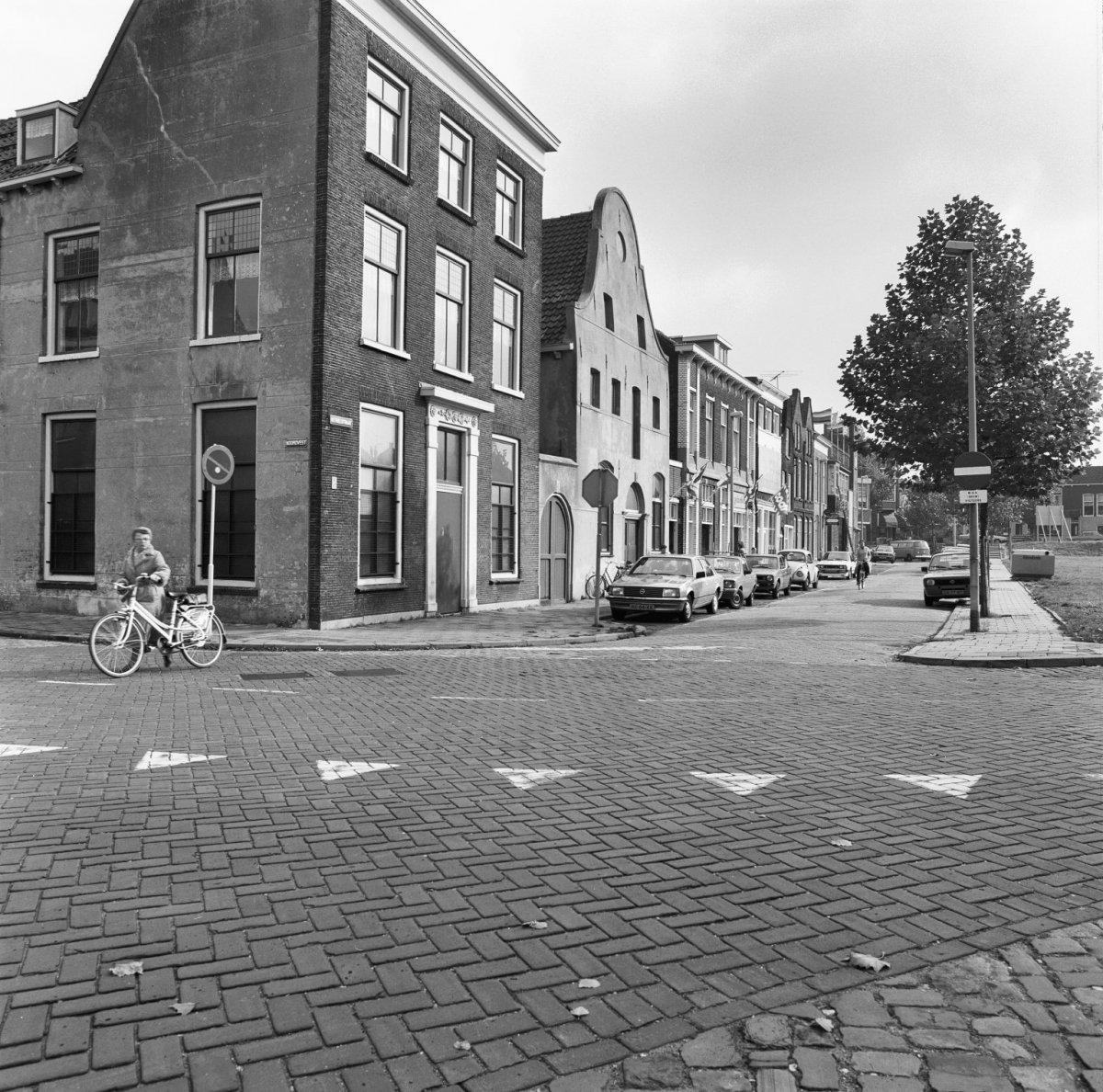 File:Overzicht Kethelstraat naar het oosten - Schiedam - 20196285 - RCE.jpg