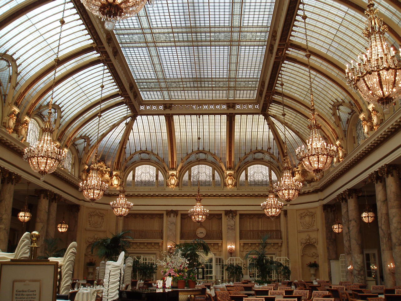 file:palace dining room - wikimedia commons