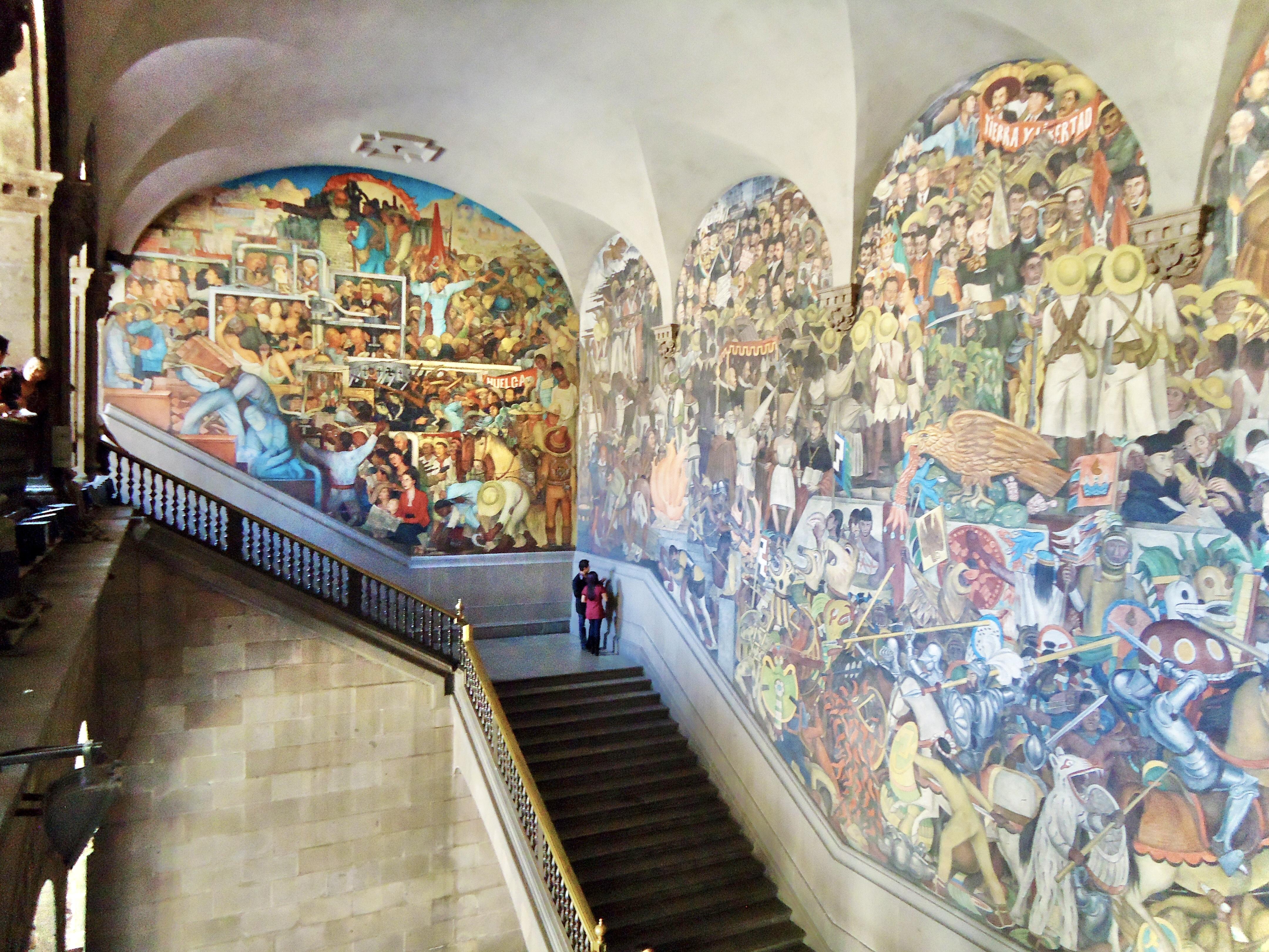 File palacio nacional murals view jpg wikimedia commons for Diego rivera mural palacio nacional