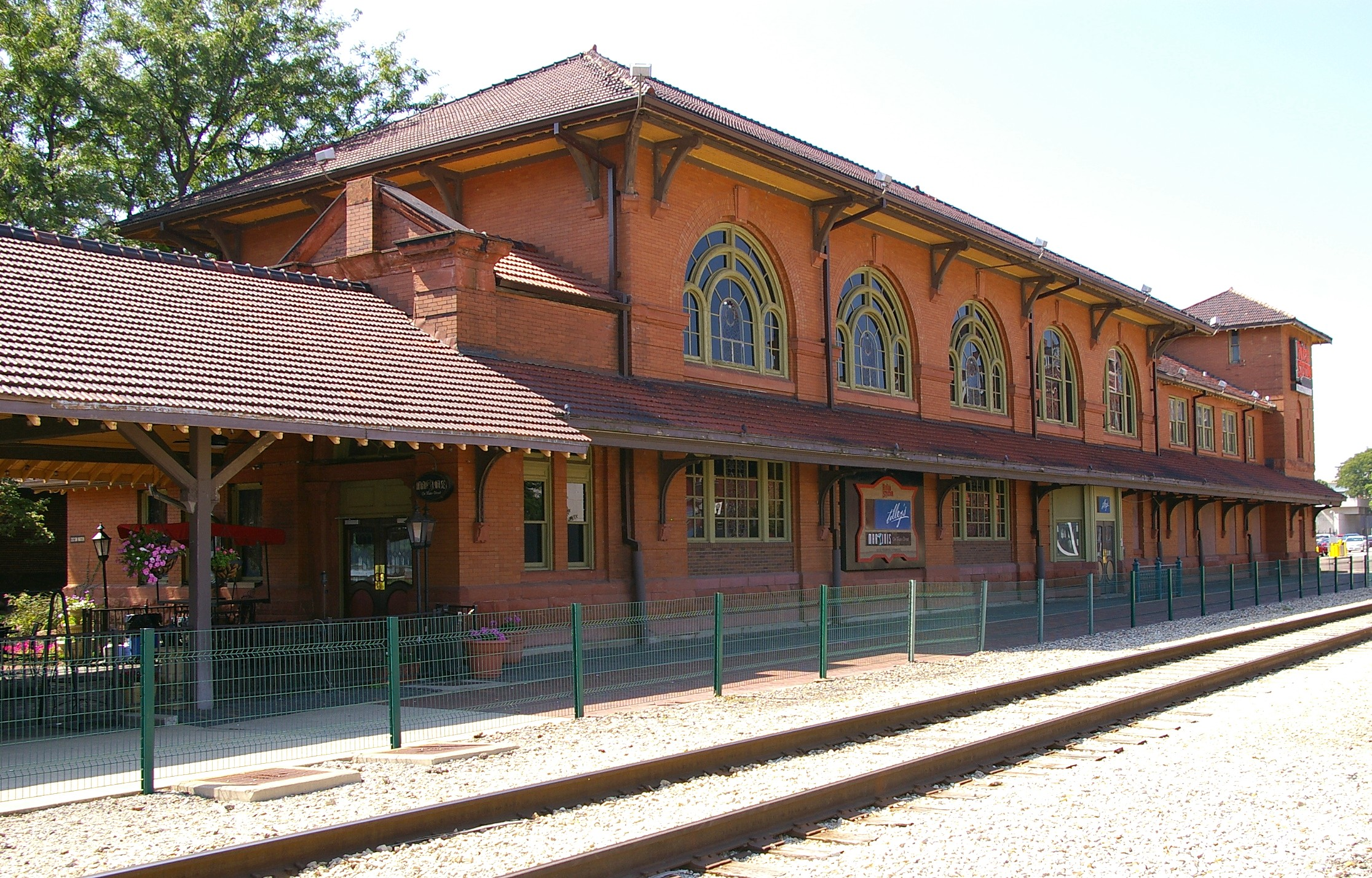 File peoria il train wikimedia commons for Railroad stations for sale