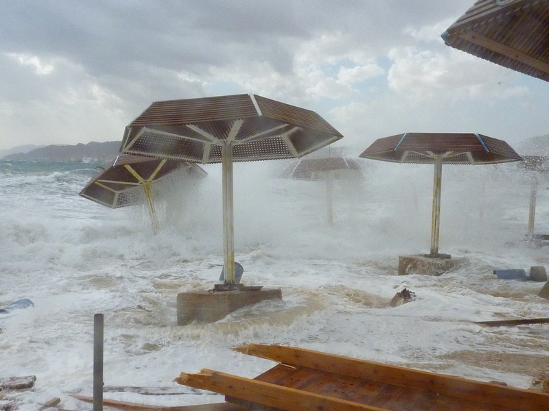 File:PikiWiki Israel 14409 Storm in Eilat.JPG