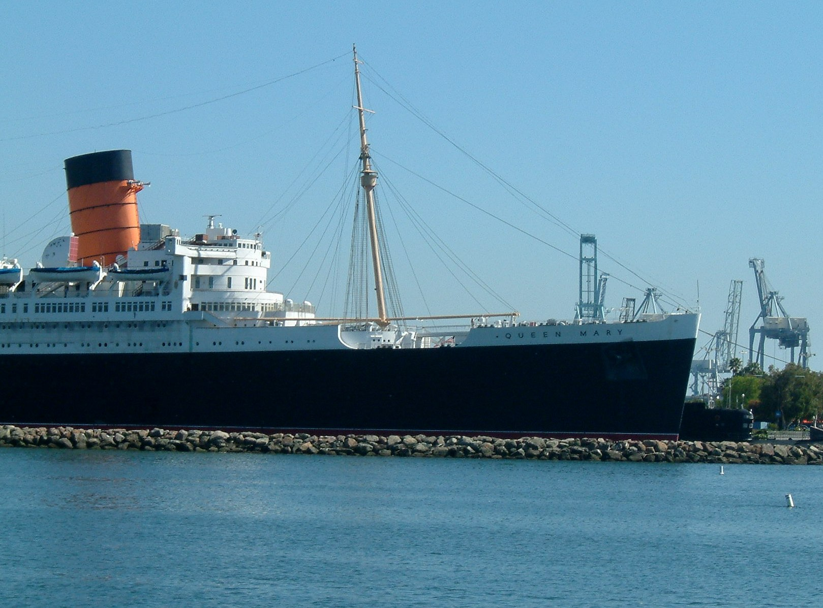 Queen Mary Long Beach Rusting