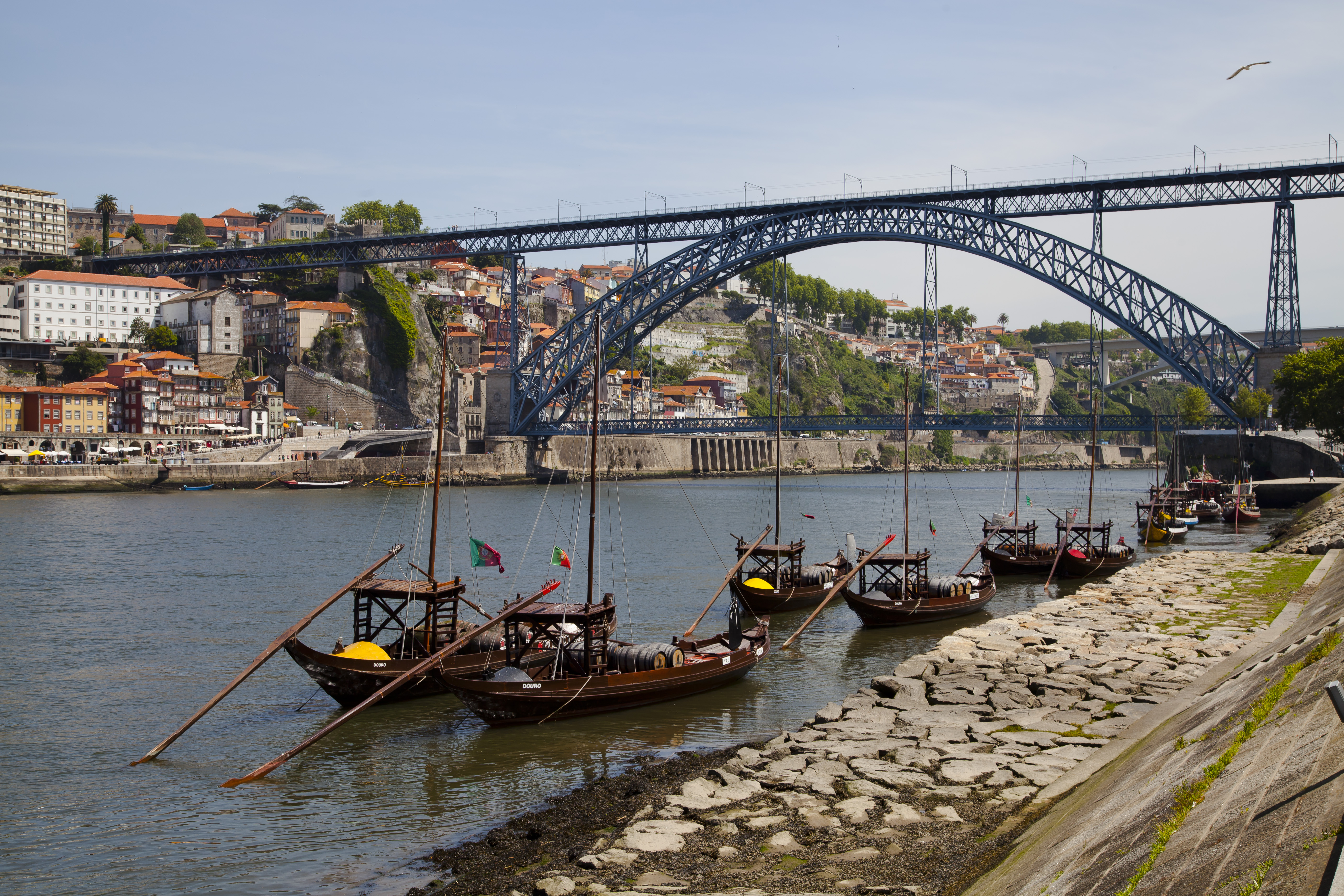100% free online dating in vila nova de gaia My house a free service developed by era which grants you a space of your own, where you can advertise your house, save your  vila nova de gaia, oliveira do douro.