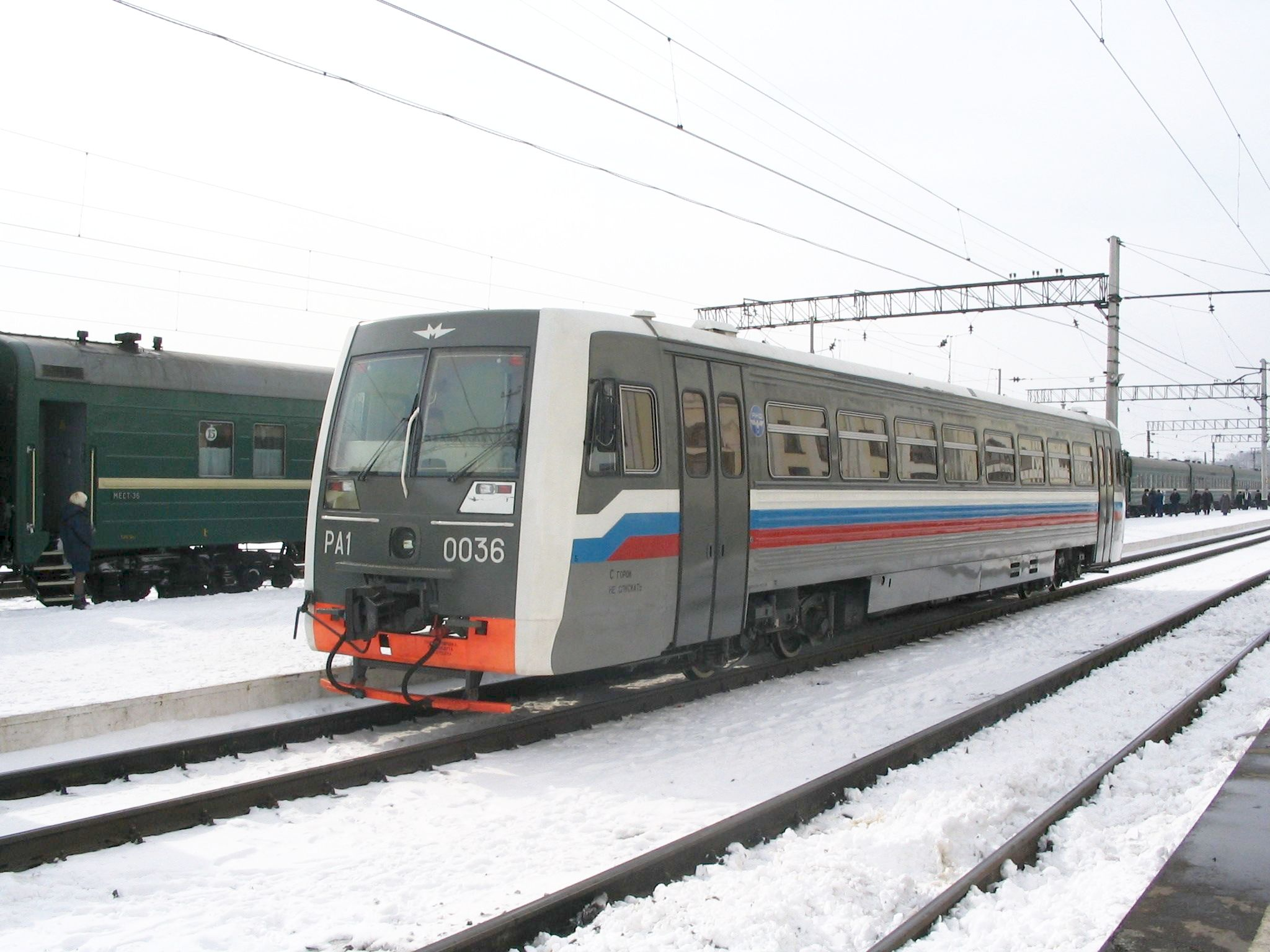 http://upload.wikimedia.org/wikipedia/commons/0/04/RailBus_in_Tomsk.jpg