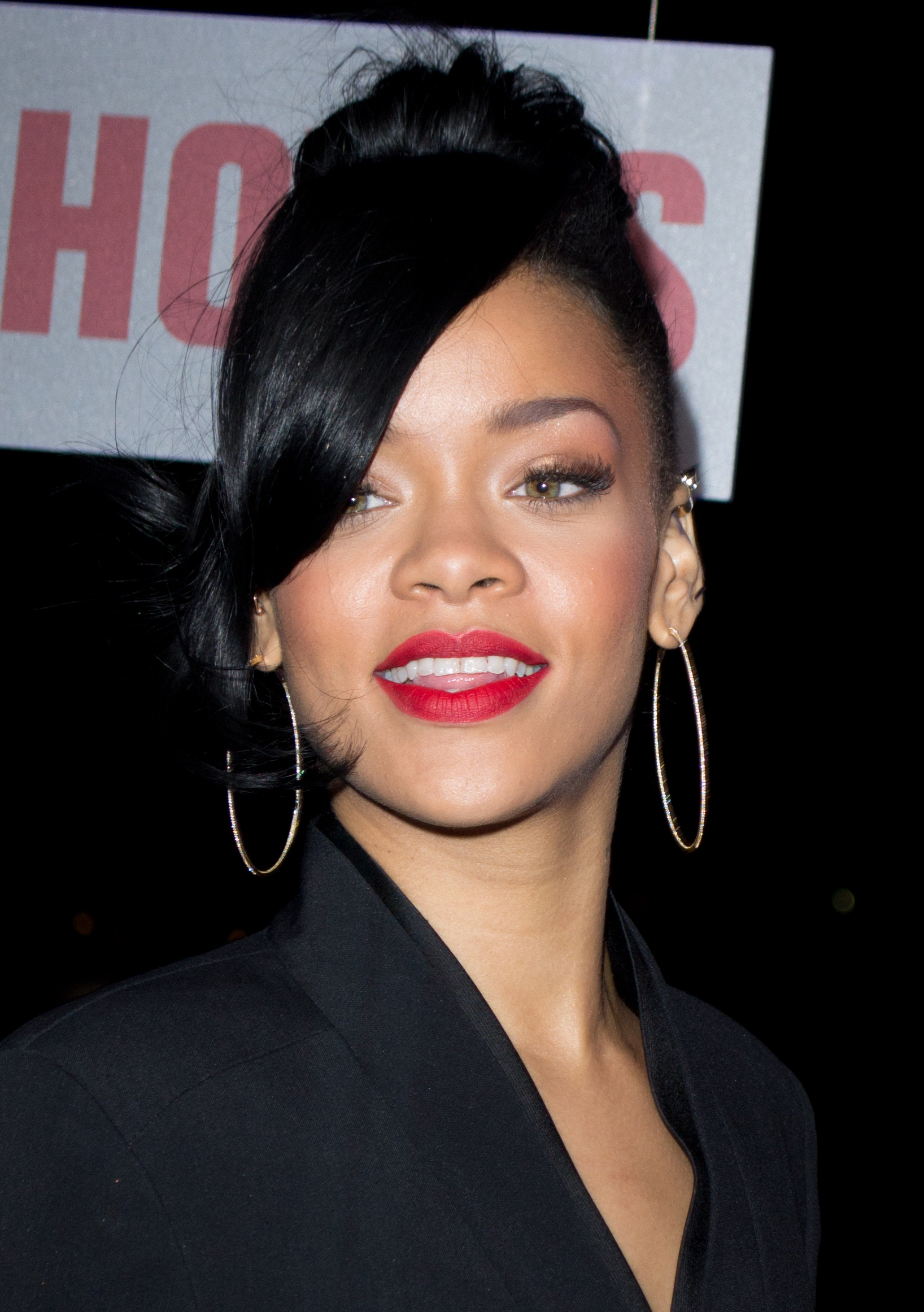 File:Rihanna 5, 2012.jpg - Wikimedia Commons