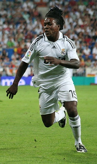 The 31-year old son of father (?) and mother(?) Royston Drenthe in 2018 photo. Royston Drenthe earned a  million dollar salary - leaving the net worth at 7 million in 2018