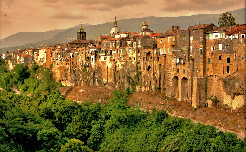 Картинки по запросу Sant'Agata de' Goti