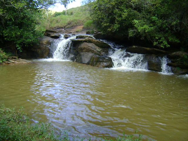 Serranos Minas Gerais fonte: upload.wikimedia.org