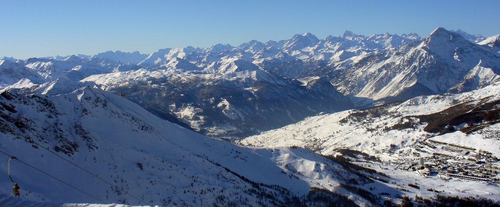 Sestriere panorama.jpg
