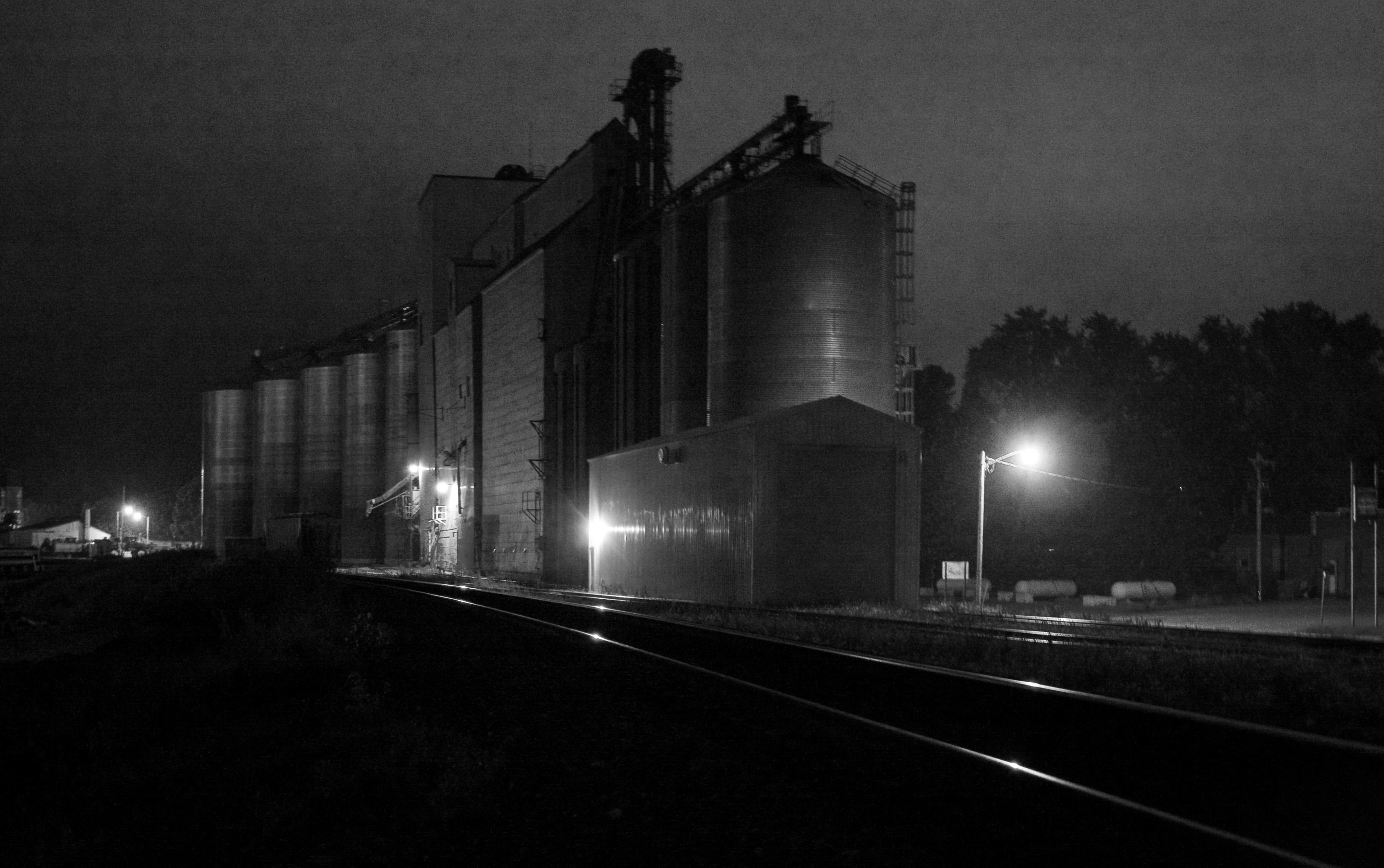 File:Silos in the dark.jpg - Wikimedia Commons