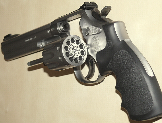 File:Smith & Wesson Model 617 jpg - Wikimedia Commons