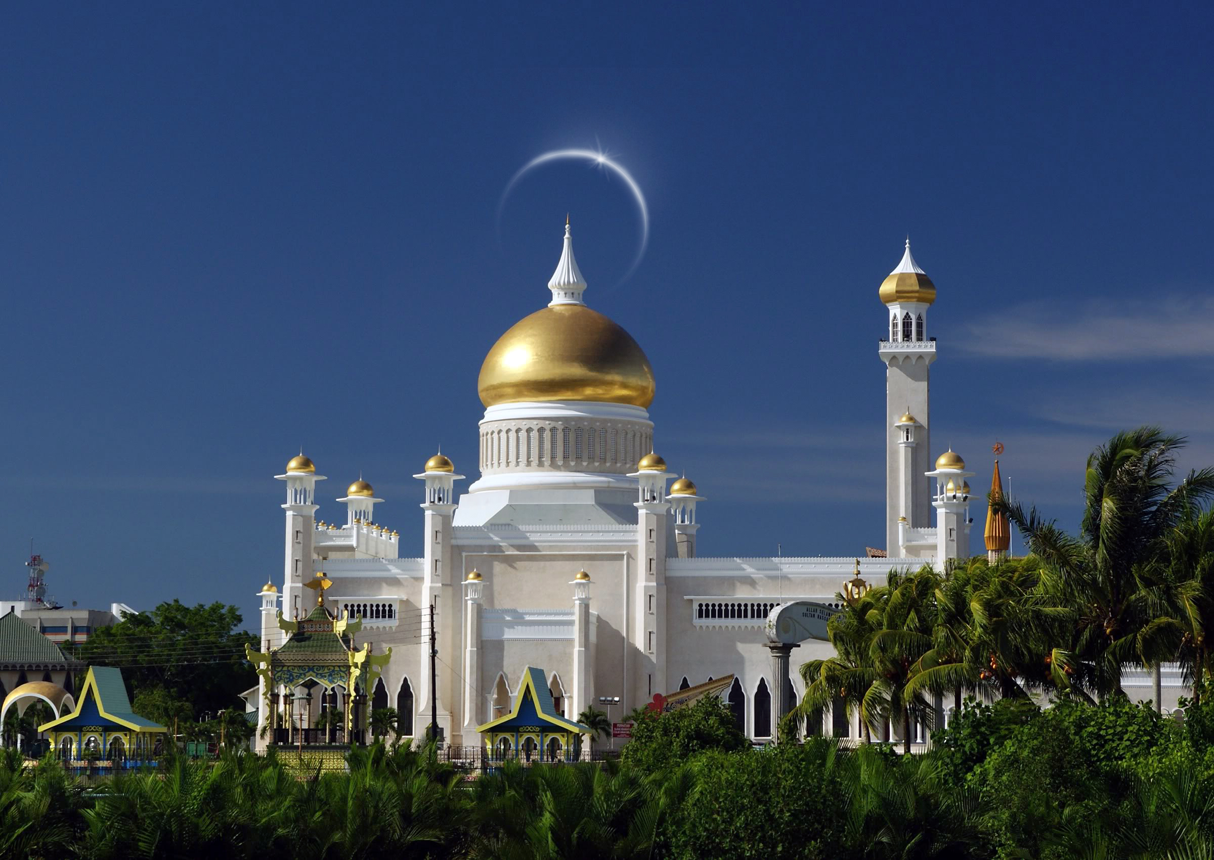 How rich is the Sultan of Brunei? The richest monarch in ...  |Brunei