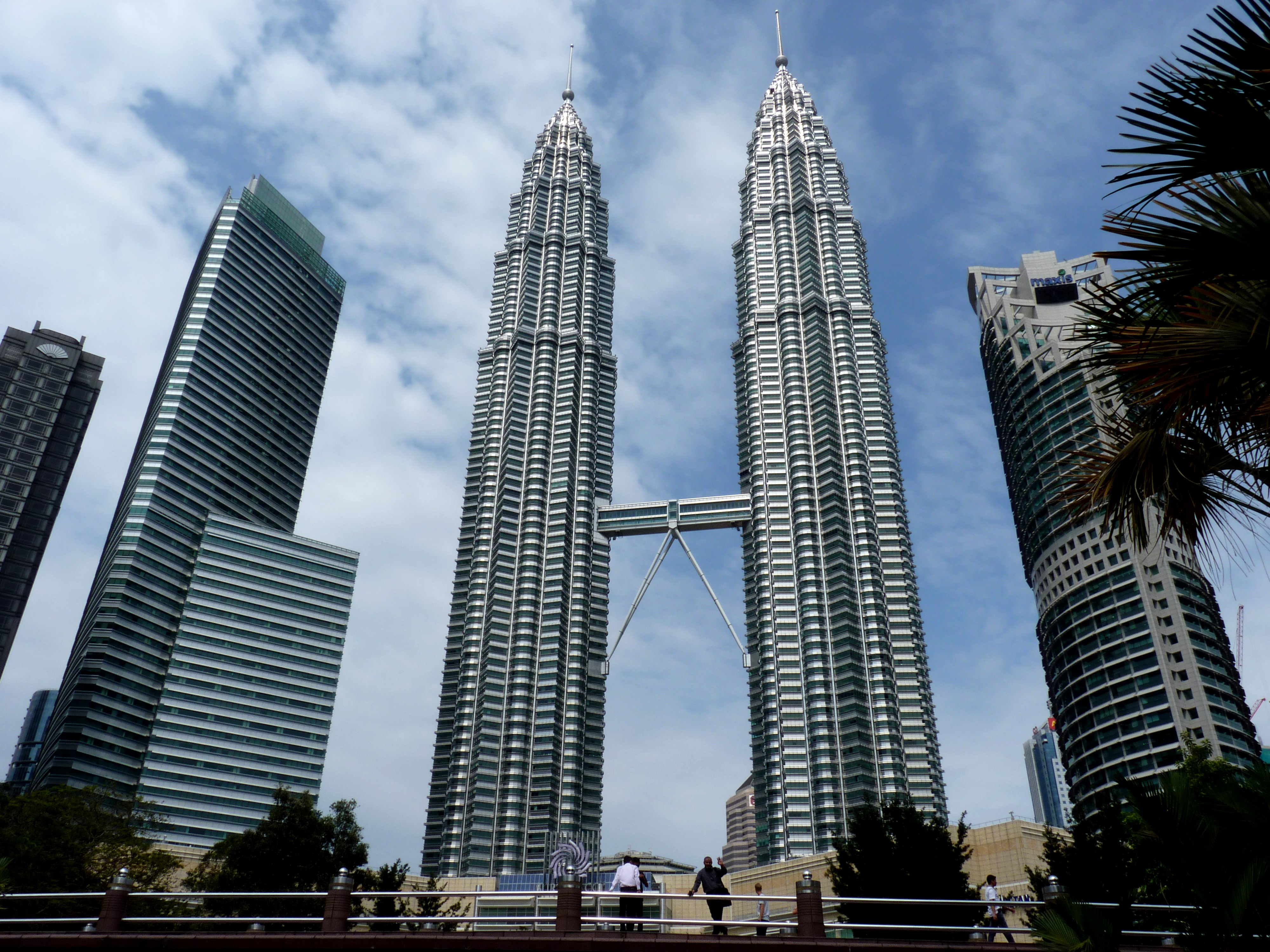 Kuala Lumpur Malaysia  city photo : Description The Petronas Twin Towers in Kuala Lumpur Malaysia