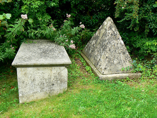 File:Tombs, St Thomas à Becket churchyard, Box - geograph.org.uk - 1443538.jpg