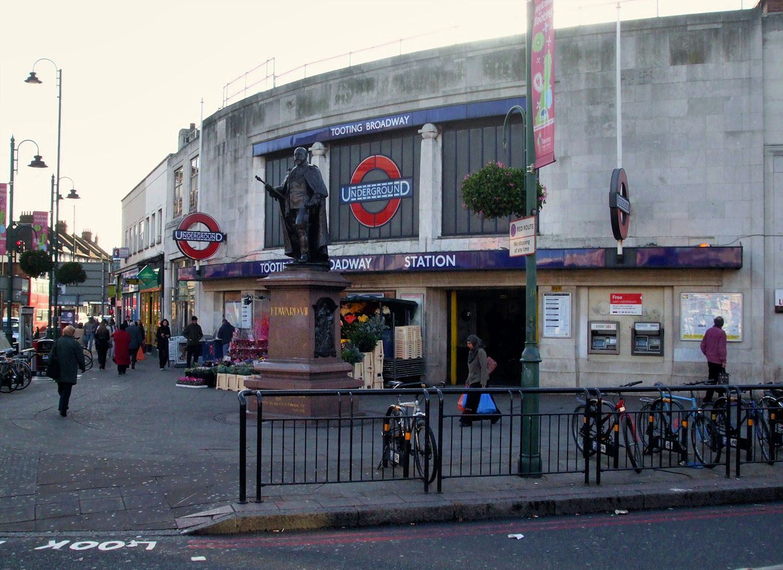 Tooting Broadway tube station