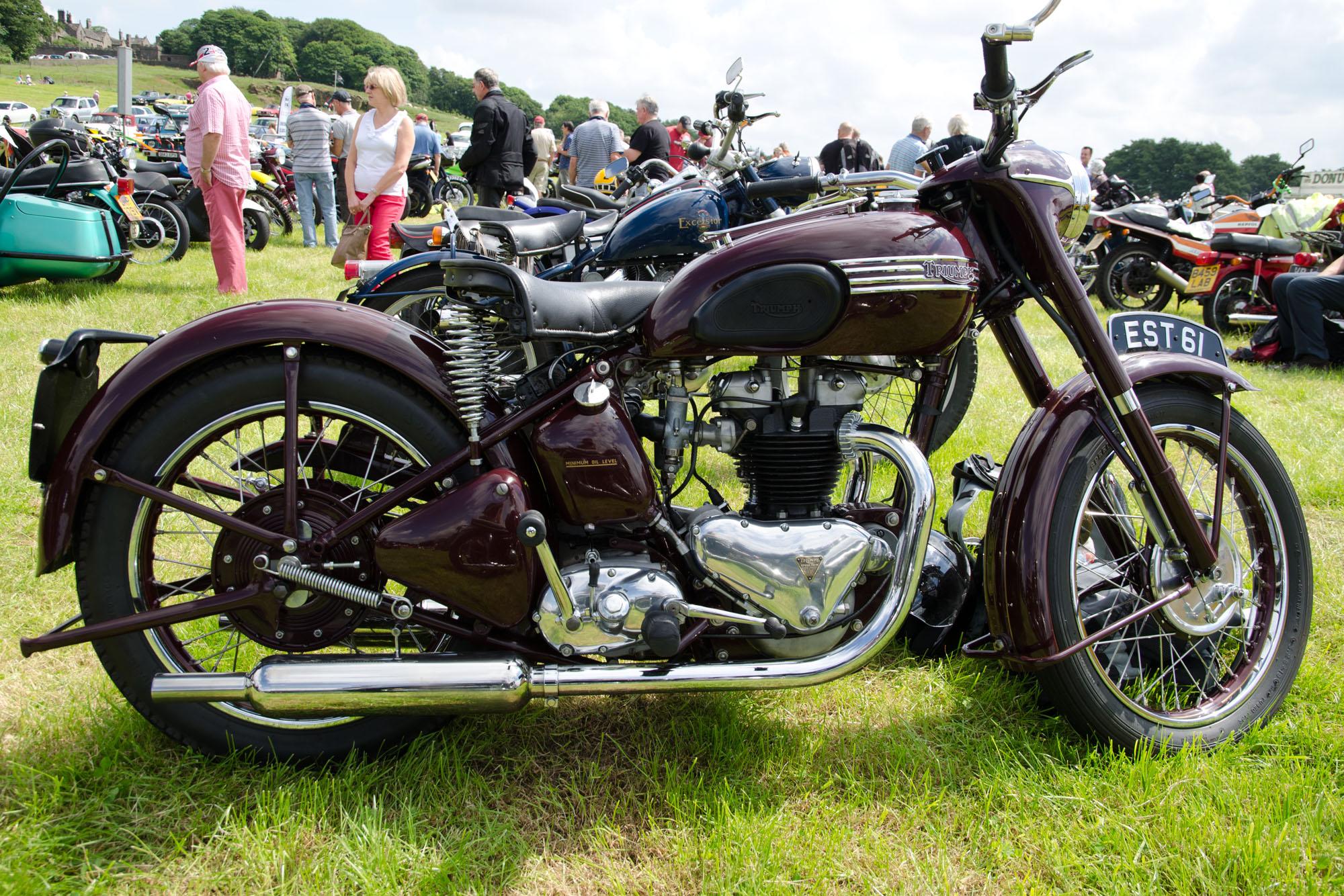 Triumph_Speed_Twin_5T_(1950)_-_150957161