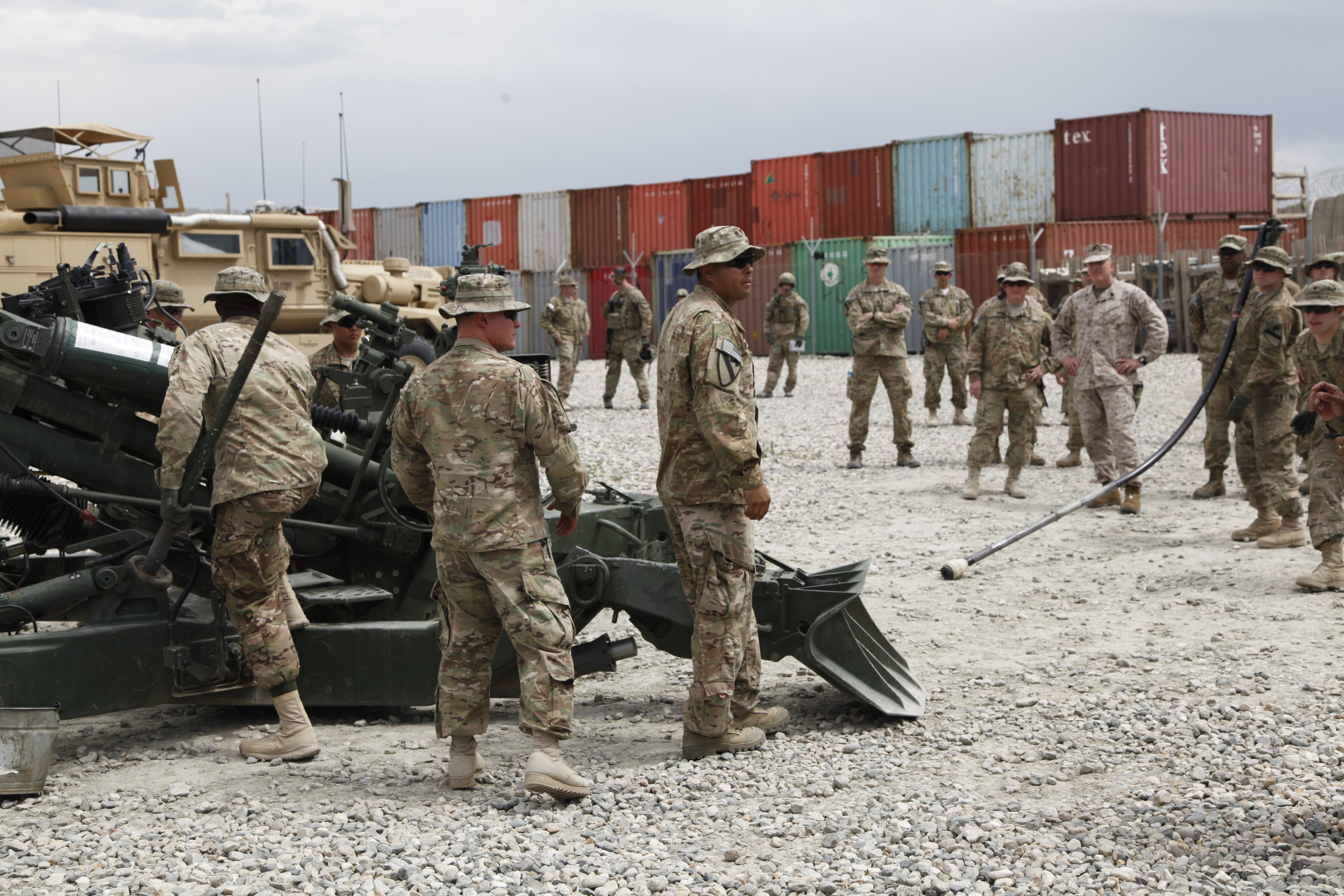 File:U.S. Soldiers with the 3rd Platoon, Alpha Battery ...