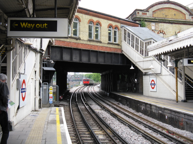 Westbourne Park Station - Looking East - geograph.org.uk - 1325952