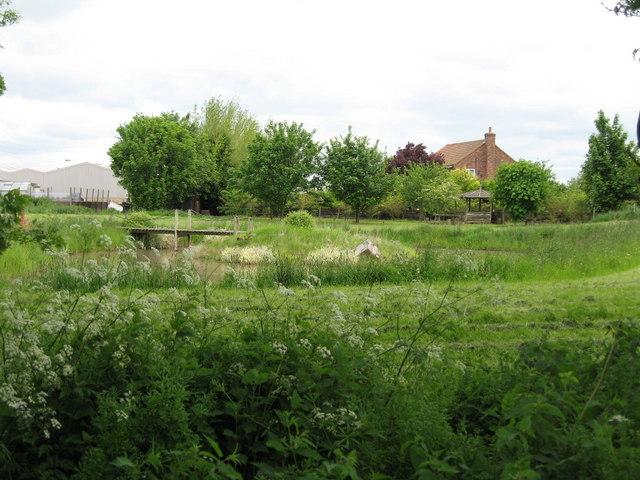 File:White Sike Farm - geograph.org.uk - 177440.jpg