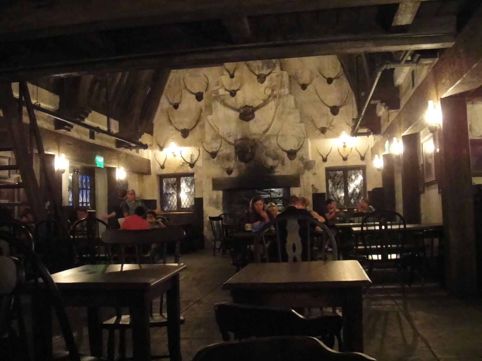 Restaurant Les Trois Moulins Rue Debry Clamart