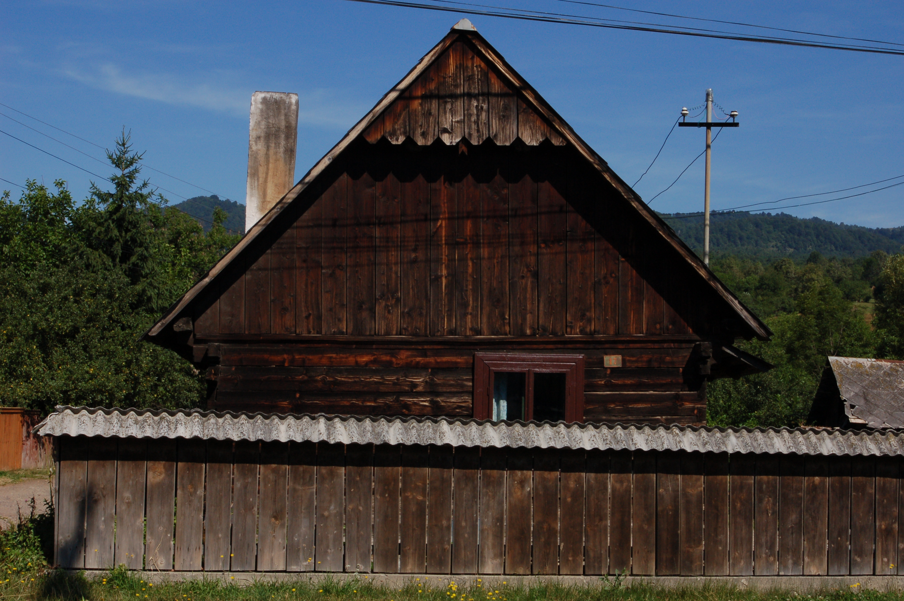 1000 images about maramures architecture on pinterest romania close image and arrow keys - Houses maramures wood ...