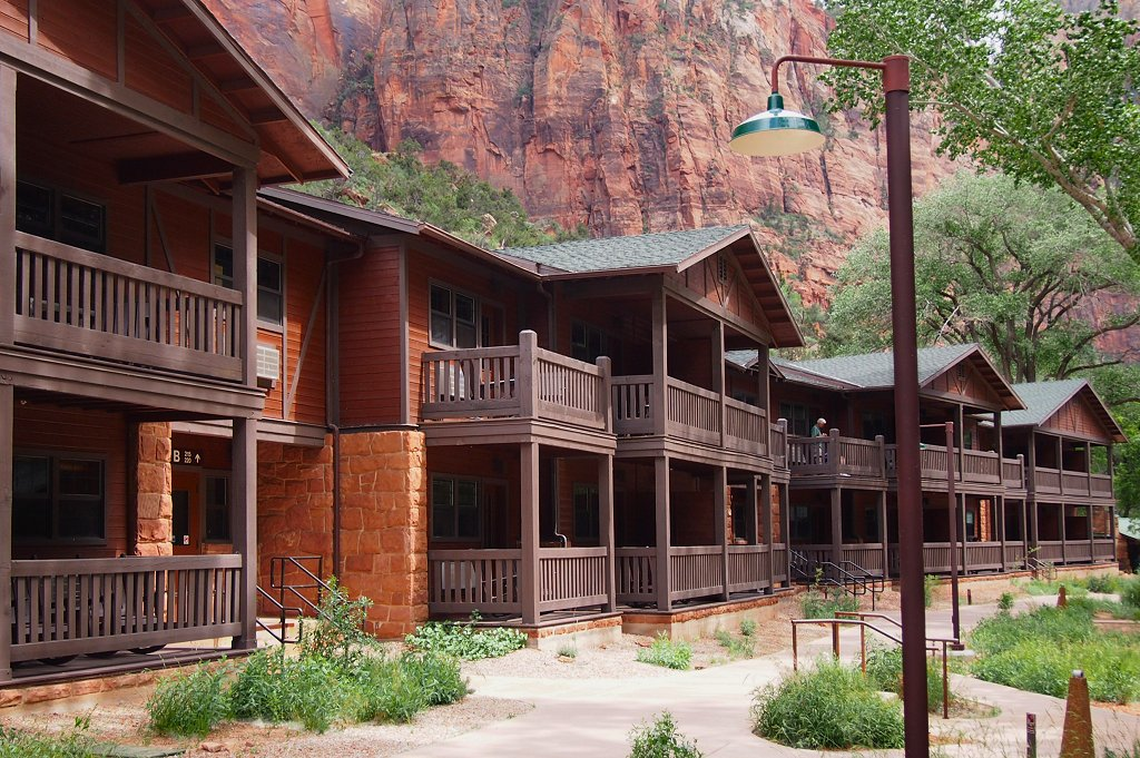 File Zion Lodge Building B Jpg Wikimedia Commons