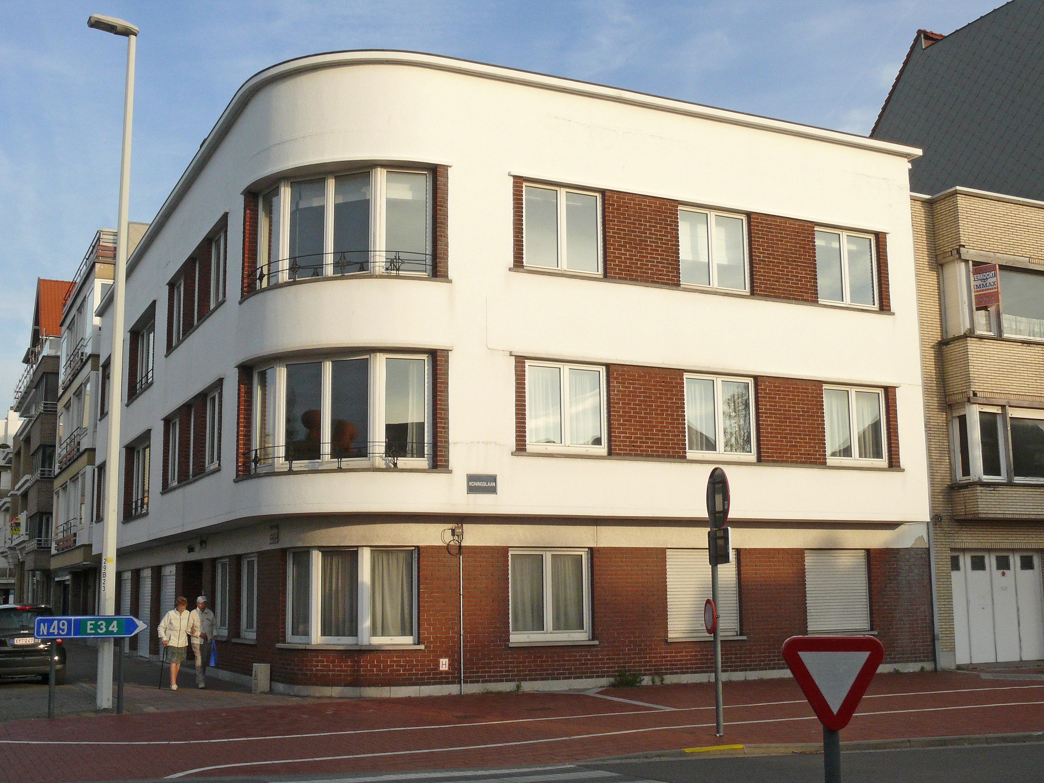 Ofbeeldienge belle rive hoekappartementsgebouw for Bell rive