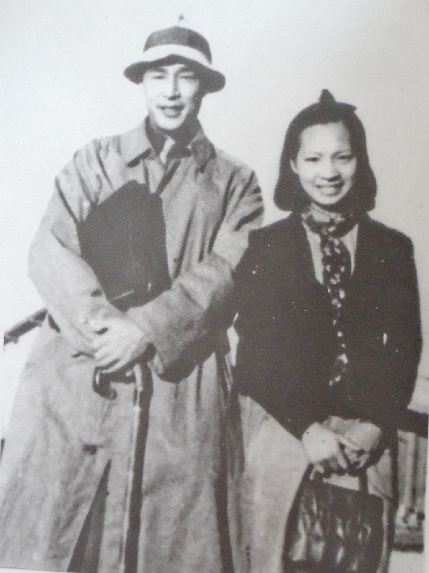 金焰与王人美1938年离开上海去香港.jpg
