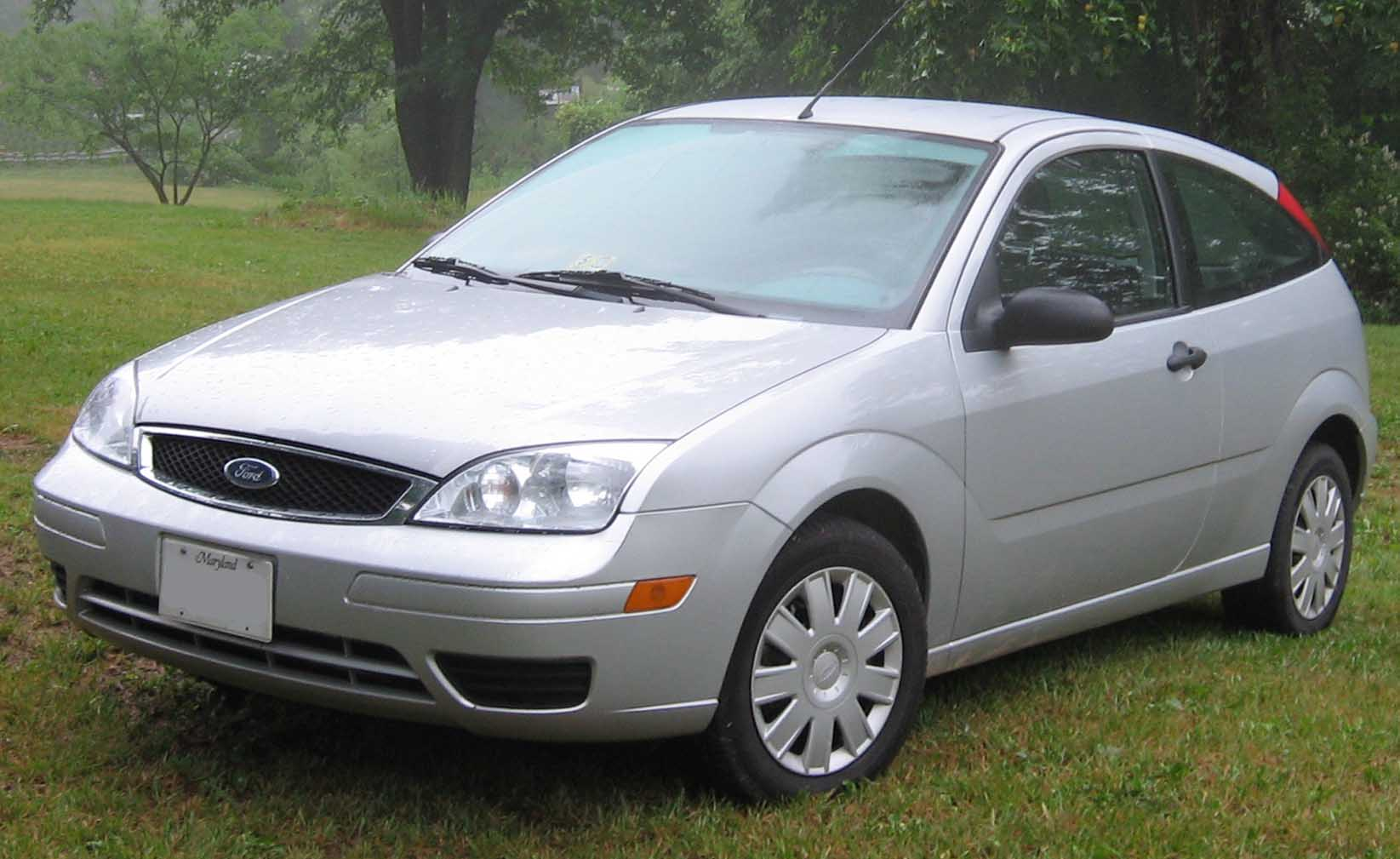 File:05 Ford Focus ZX3.jpg
