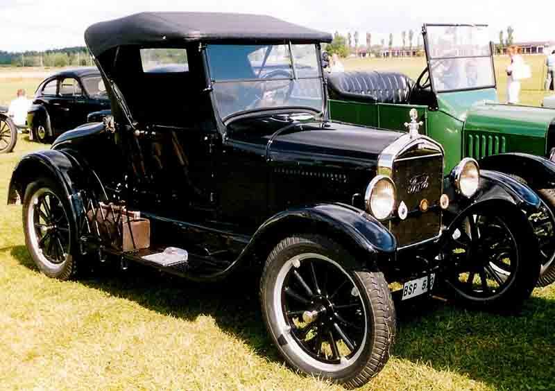 1927 ford model t antique car magazine for 1927 ford model t 4 door sedan