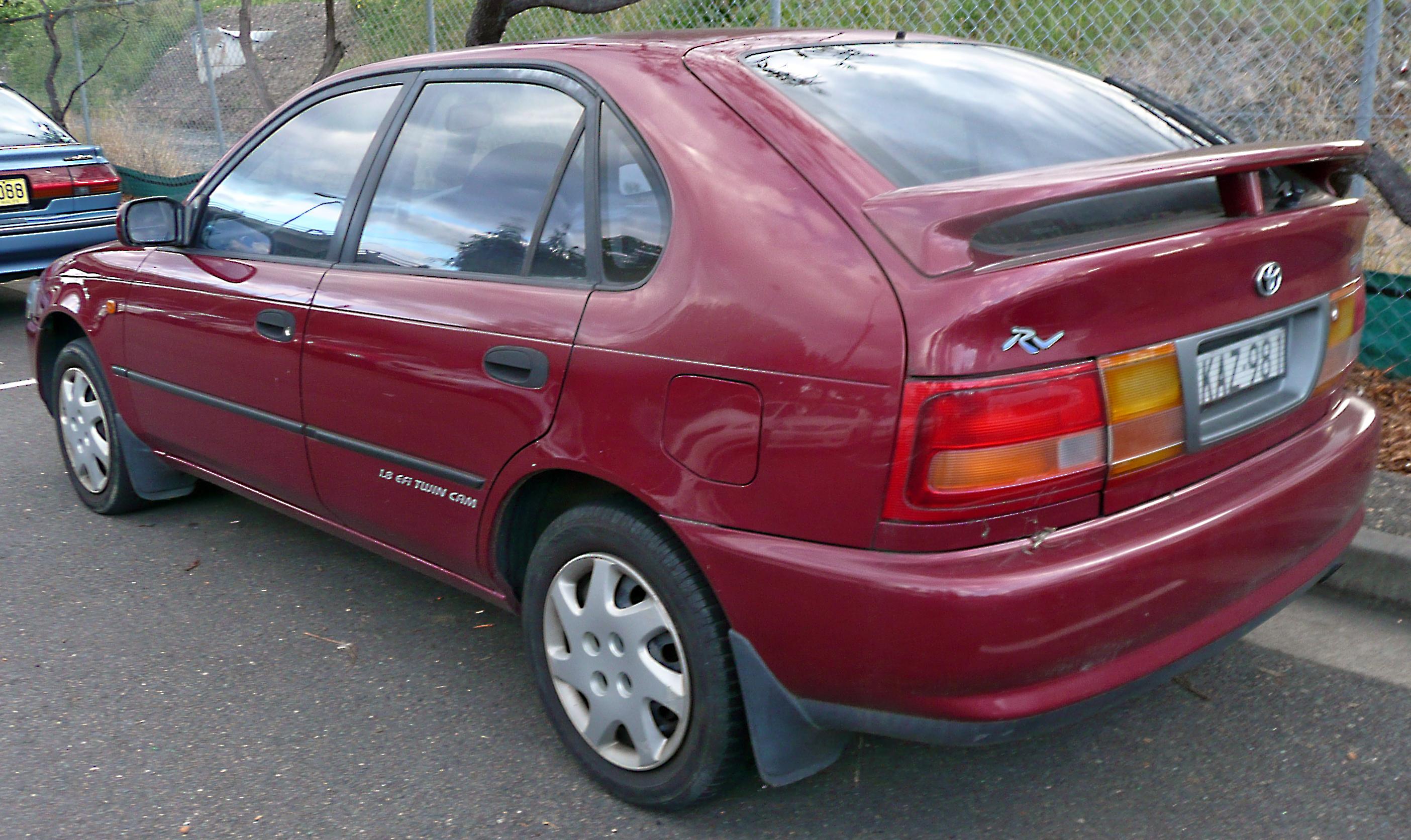 File:1996-1998 Toyota Corolla (AE102R) RV Seca 5-door