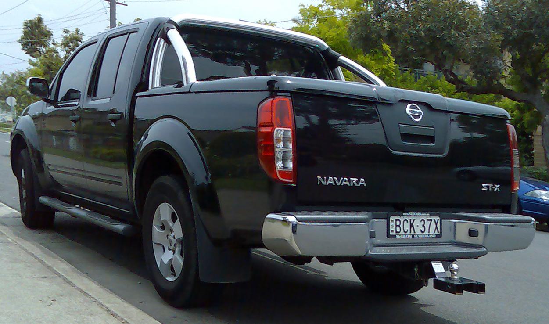 Description 2005-2008 Nissan Navara (D40) ST-X 4-door utility 03.jpg