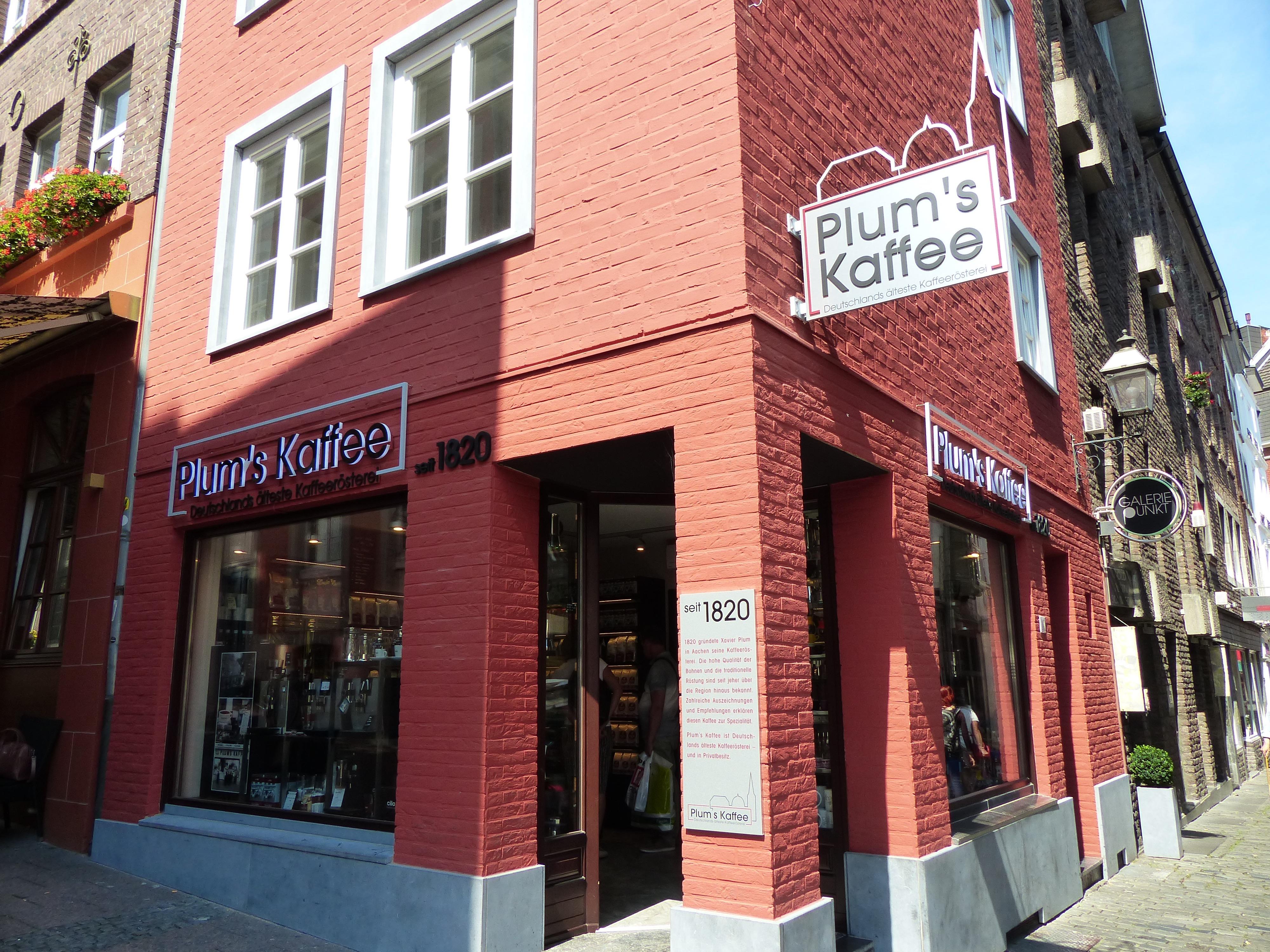 Plums Café
