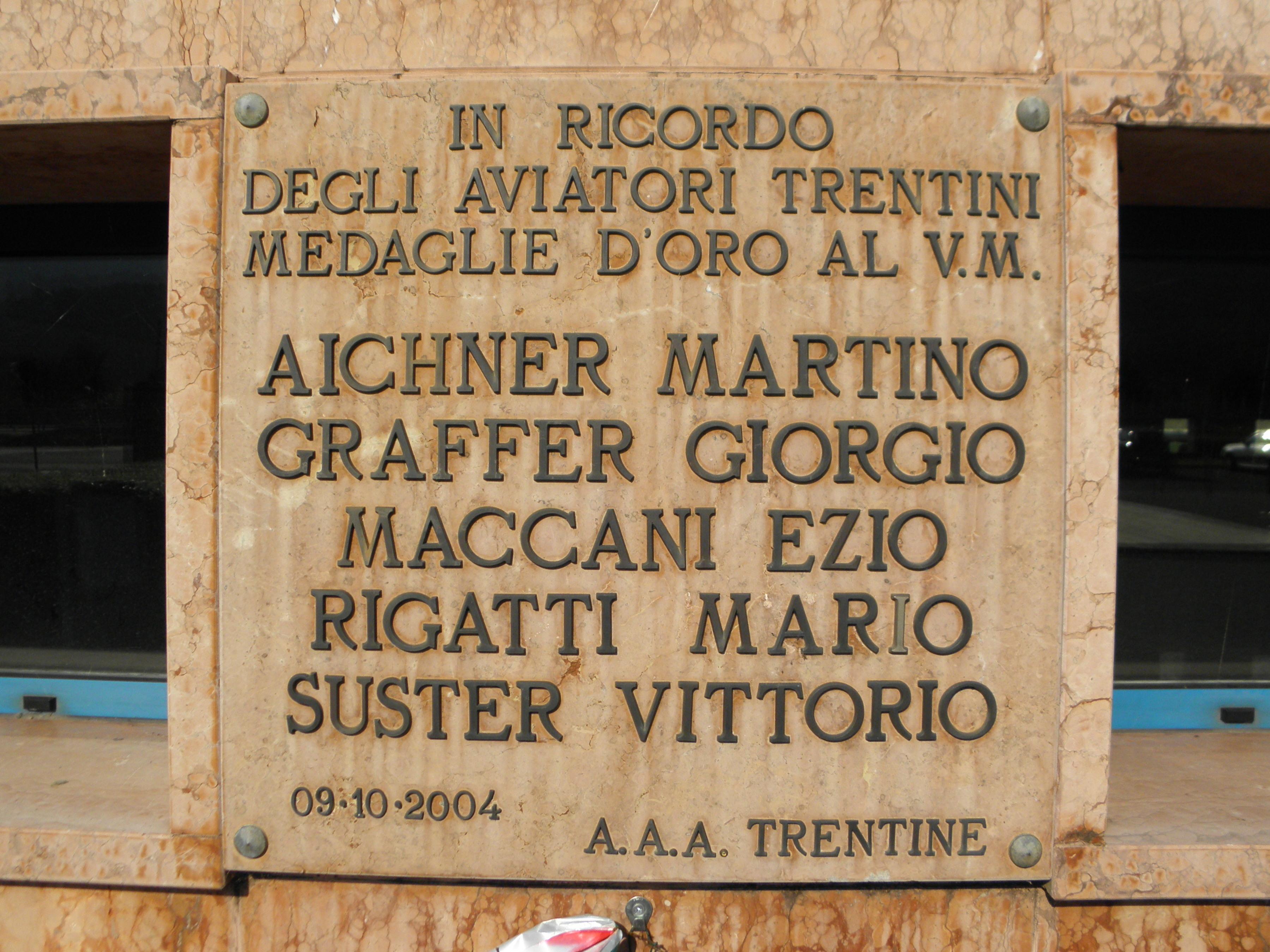 Aeroporto Trento : File aeroporto di trento mattarello gianni caproni lapide